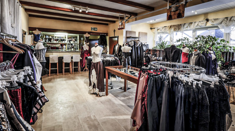carnificium Boutique, Ladengeschäft exklusive Korsetts, Maßanfertigung, Korsetts und Kleider