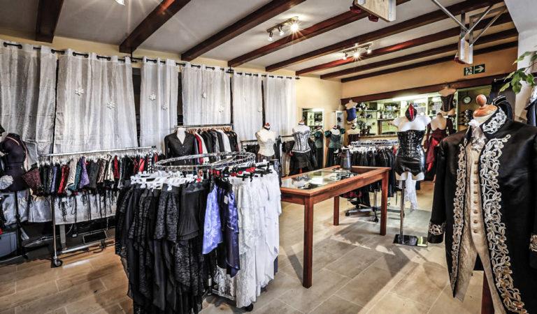 carnificium Boutique, Ladengeschäft exklusive Korsetts, Maßanfertigung, Röcke