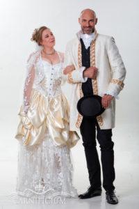 Hochzeitsoutfit Korsett Brautkleid individuell Gehrock