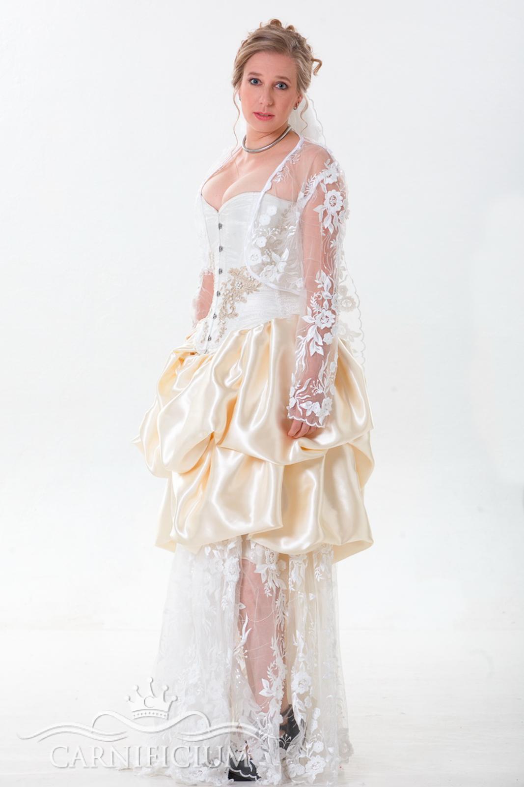 Hochzeitkleid Vollbrustkorsett weiß Brokat aufwendige Perlenbestickung Rock aus Materialmix mit Spitzenstoffen und Satin